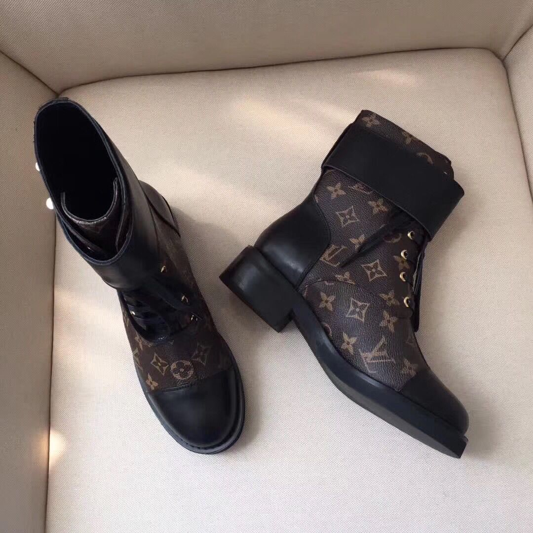 Louis Vuitton Women shoes 0236
