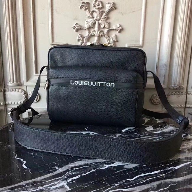 Louis Vuitton OUTDOOR MESSENGER PM M31003 Black