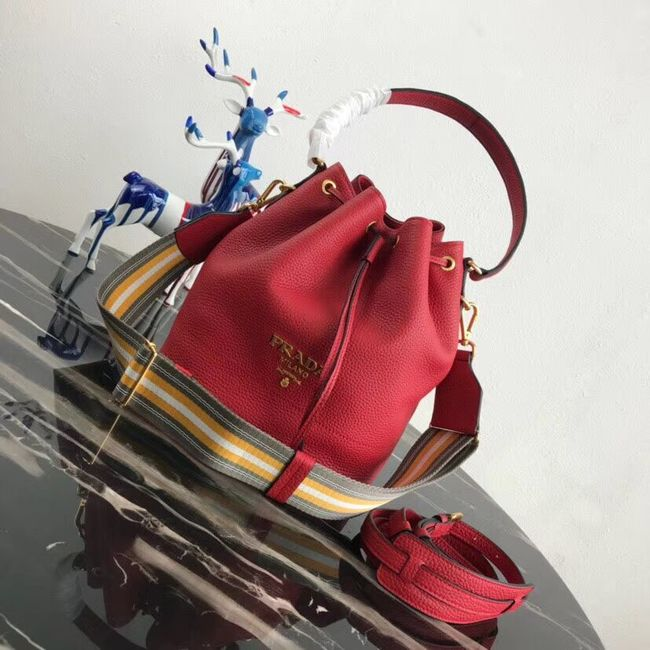 Prada Leather bucket bag 1BE018 red