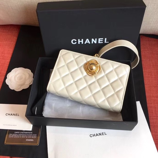 Chanel clutch Lambskin & Gold-Tone Metal AS0178 White