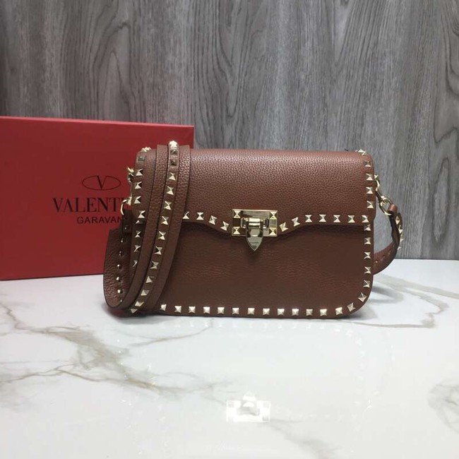 VALENTINO Rockstud grained leather messenger 0936B brown