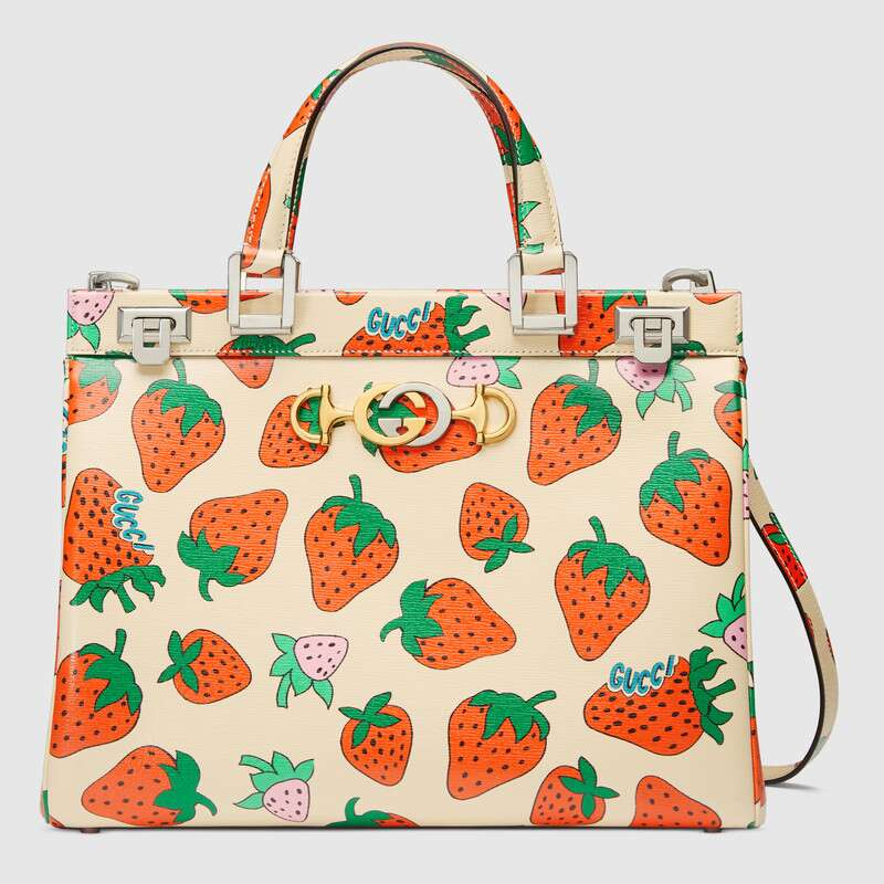 Gucci Zumi Strawberry print medium top handle bag 564714
