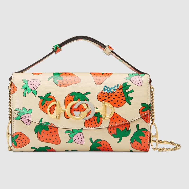 Gucci Zumi Strawberry print mini bag 564718