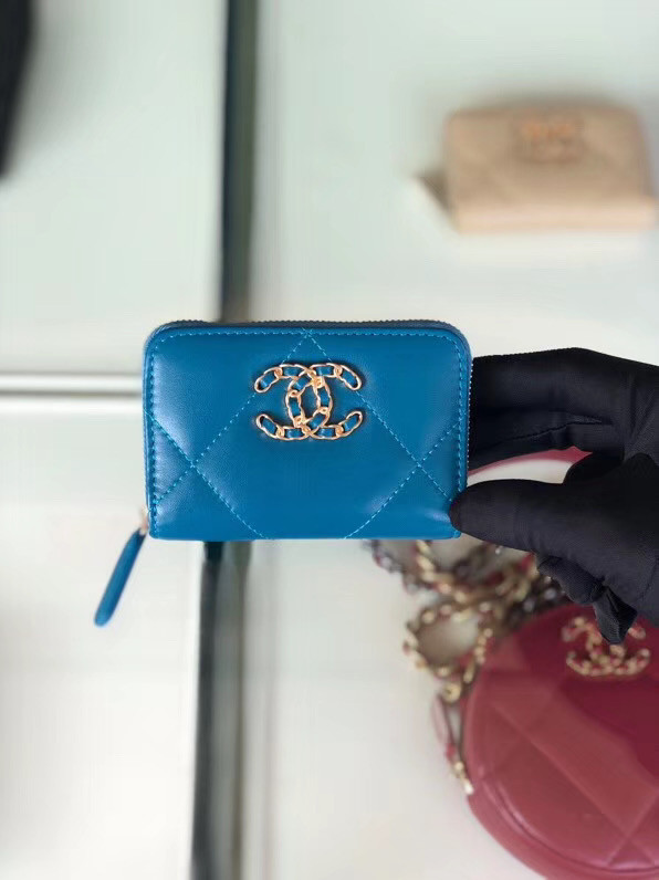 Chanel 19 Zip Card bag AP0949 blue