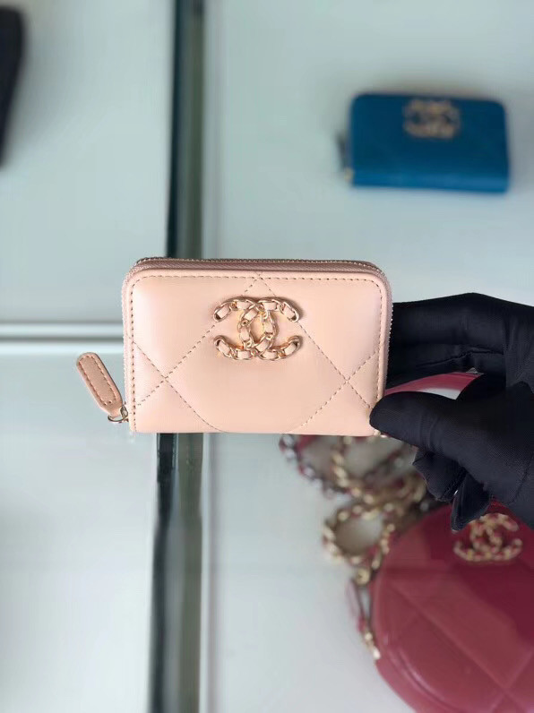 Chanel 19 Zip Card bag AP0949 pink