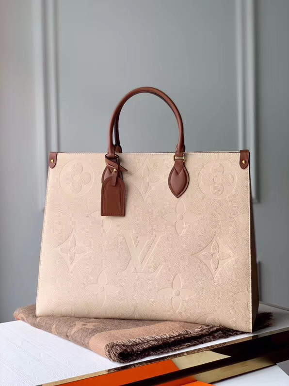 Louis Vuitton ONTHEGO M44576 Cream