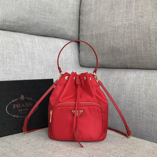 Prada Re-Edition nylon Tote bag 81166 red