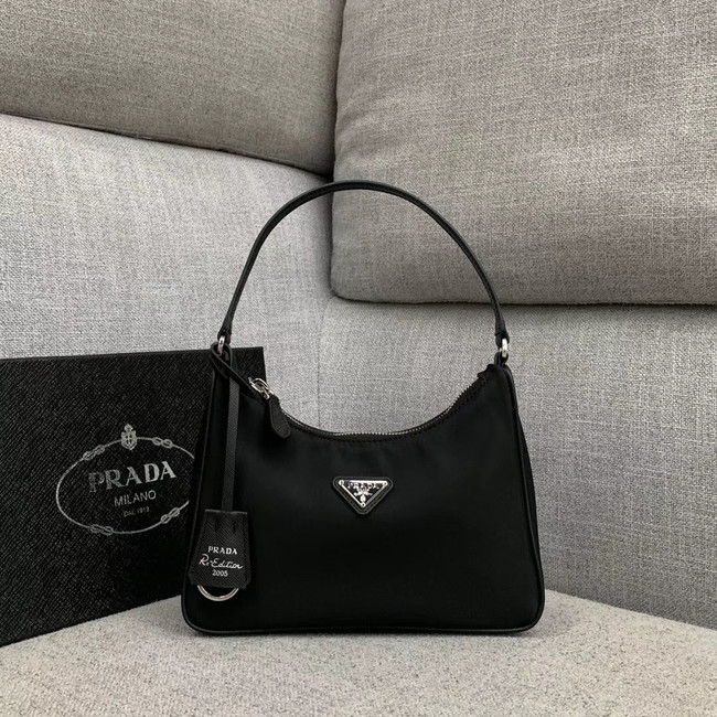 Prada Re-Edition nylon Tote bag 91204 black