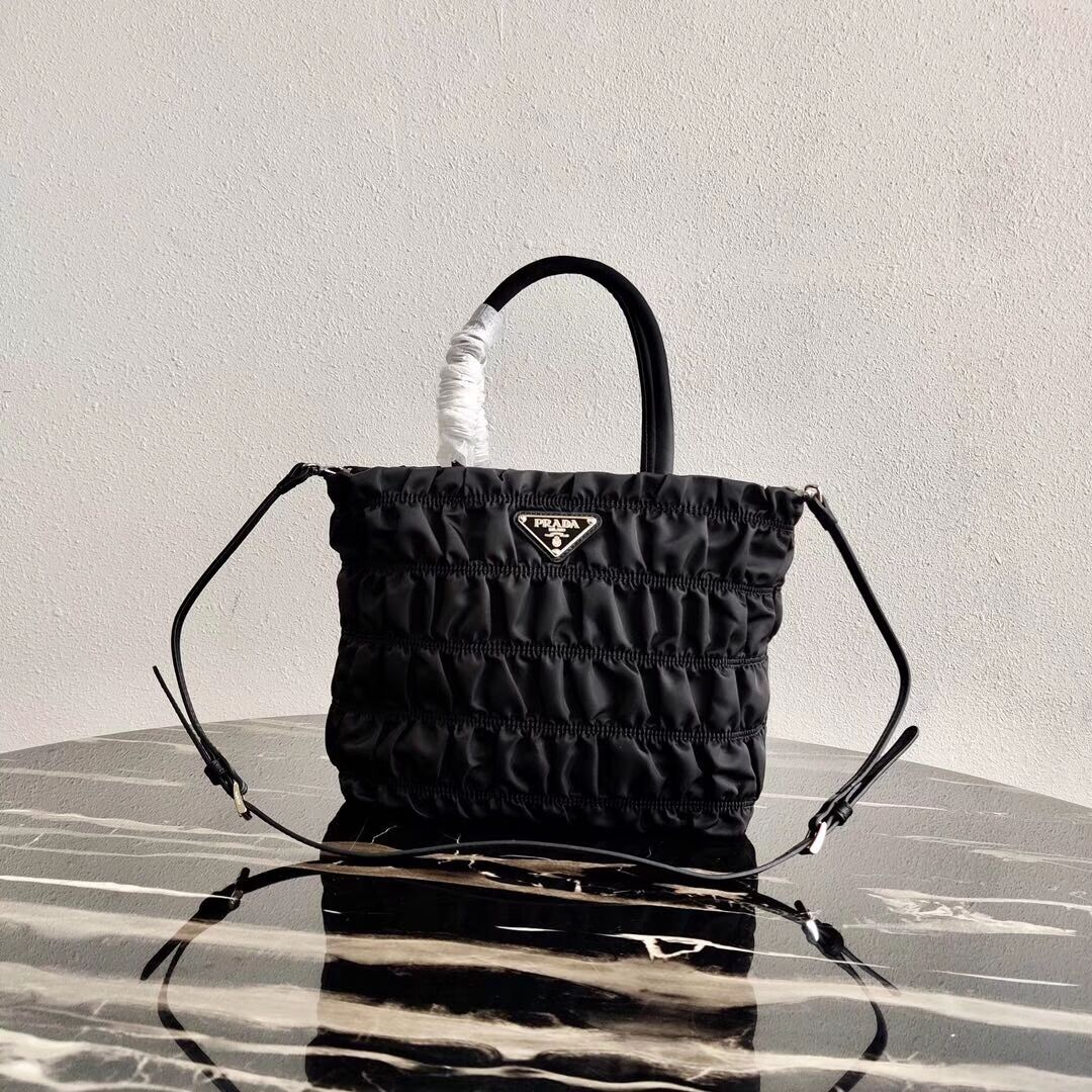 Prada Re-Edition nylon Tote bag 1BG321 black