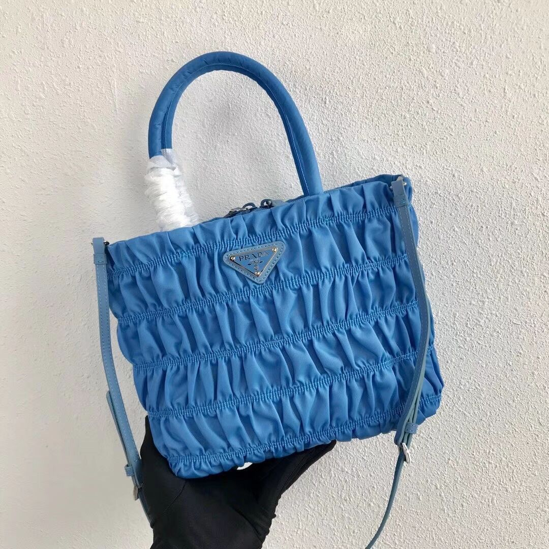 Prada Re-Edition nylon Tote bag 1BG321 light blue