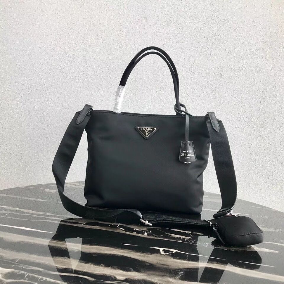 Prada Re-Edition nylon Tote bag 1BG320 Black
